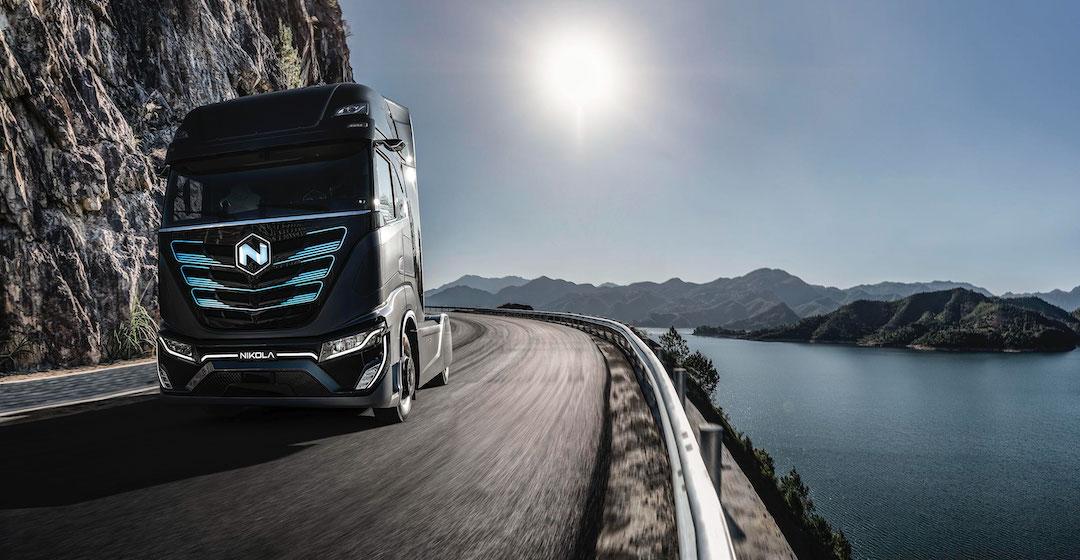 ISI: 140 Tankstellen könnten 2050 den gesamten Wasserstoffbedarf für Lkw decken