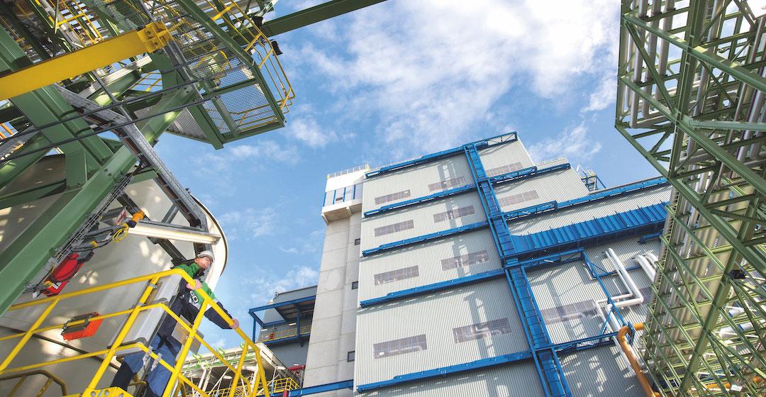In Dormagen entsteht eine Anlage zur LOHC-Einspeicherung von grünem Wasserstoff